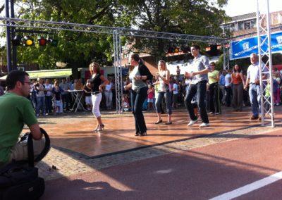 Zomerbraderie Salsa demo te Veldhoven2