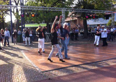 Zomerbraderie Salsa demo te Veldhoven3